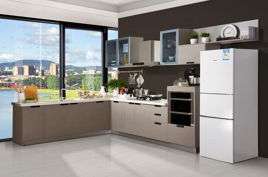 白色、银色可用作厨房橱柜颜色